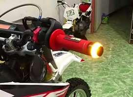 Jalu stang motor bisa menyala dual warna bisa dipasangkan langsung