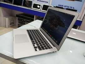 """Apple macbook Air 11"""" Inches Core i5 ! 4 GB ! 128 ! 2015 Edition"""