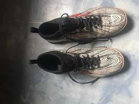 Specs barricada ultra in putih size 40