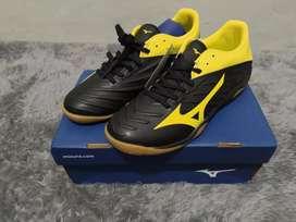 Sepatu Futsal Mizuno Rebula Sala size 40 BNIB