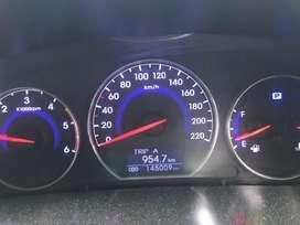 Hyundai Santa Fe 2013 4wd. Well Maintained