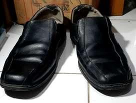 Sepatu formal uk 42