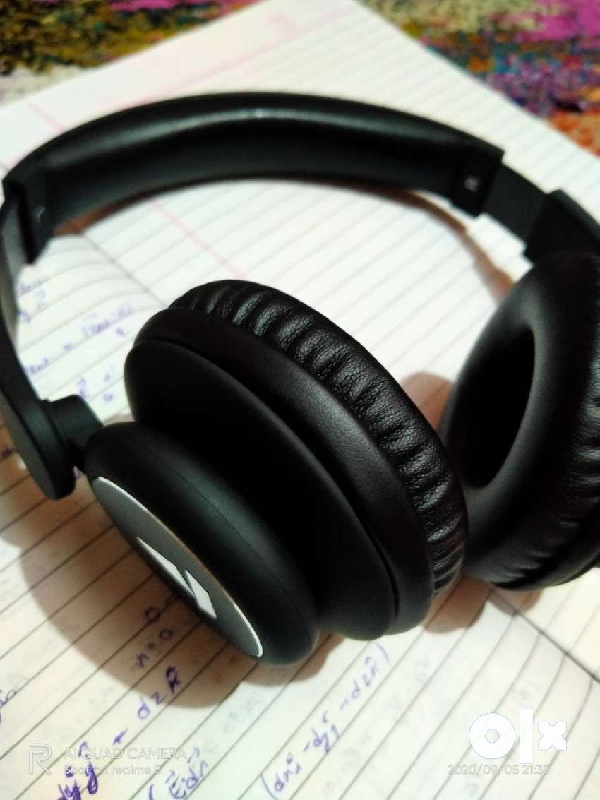 Boat rockerz 450,Bluetooth Headphone,6 months old.