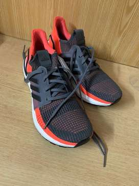 Ultraboost 19 shoes trainer lifestyle
