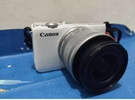 Kamera Mirrorless Canon M10 Lensa Kit 16-45 Free memory&tas(Cam Vlog )
