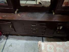 Dressing table and showcase old