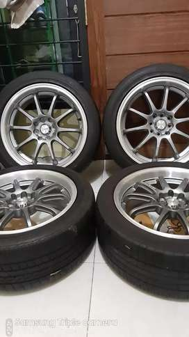 Velg advan racing r17 lebar 7,5 rata plus ban