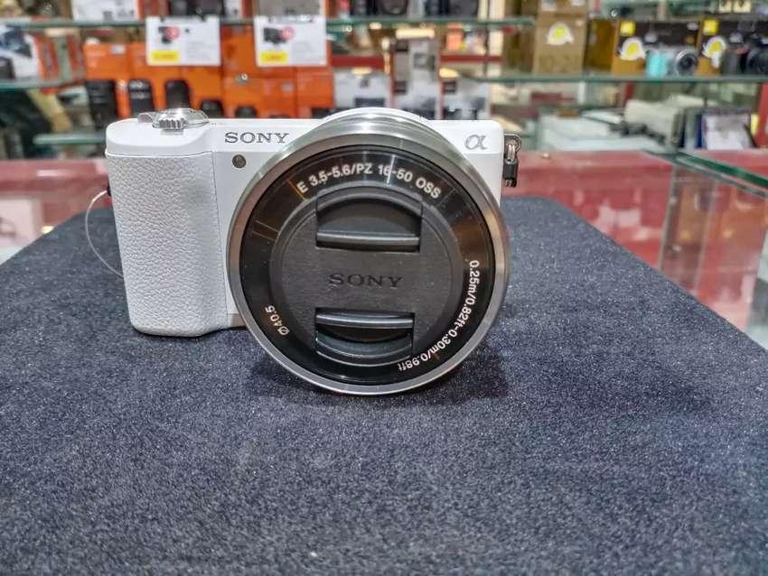 Sony A6000 Kredit kamera dan lensa acc 3 menit 0