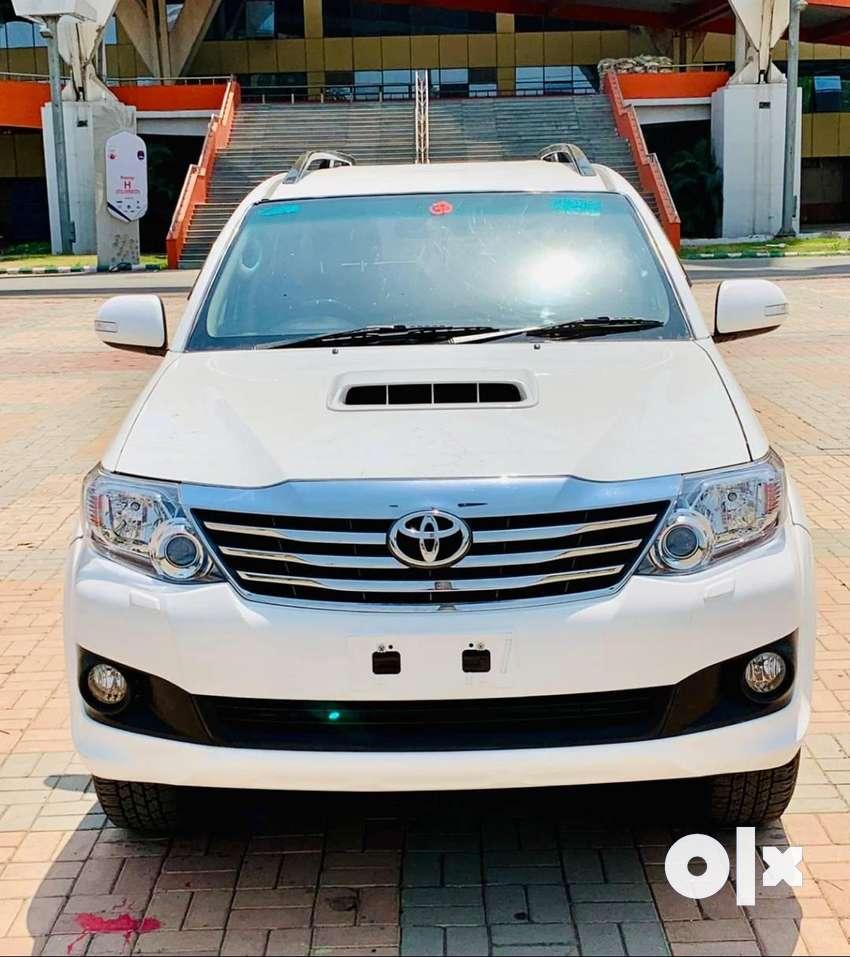Toyota Fortuner 2.8 4X2 AT, 2015, Diesel 0
