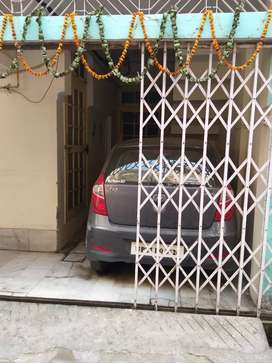 House in civil lines, Bareilly, built in 105 square. Yard.