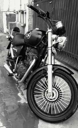 Royal enfield Thunderbird 350 in neat and clean condition