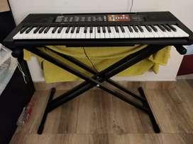 Yamaha PSR F51 + Kadence keyboard stand