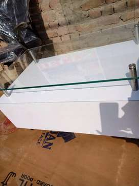 Center table white colour with glass top