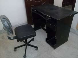 Computer table and chair in good condition