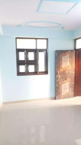 House Flat Room Available for Rent in Mayur Vihar extn 1
