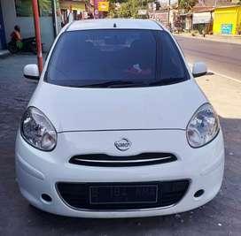 Nissan March 2011 matic putih mulus orisinil