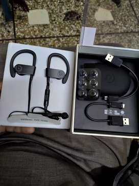 Powerbeats 3 wireless complete box