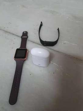 2 Fitness tracker + Bluetooth headphones