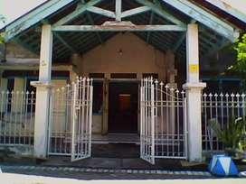 Indekos putri dekat kampus UNAIR, lingkungan aman, tenang