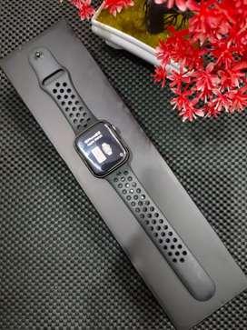 Iwatch series 4 size 44mm garansi iBox like new