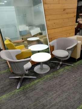 Steelcase I2I Swivel Office Lounge Chairs Original Price 1,20,000