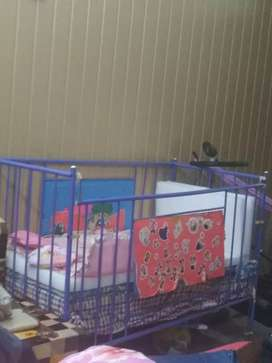 Baby cot good condition
