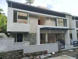 4.bhk 2200 sft new biild posh gated villa at kakkanad near pukattupady
