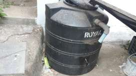 used good conditioned water storage tank for