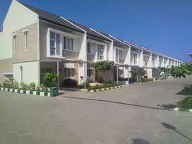 Rumah baru 2 lantai mewah minimalis cluster strategis jual murah