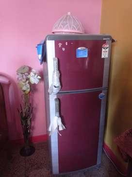 Whirlpool double door fridge 220 ltr