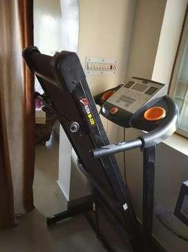 Fitting treadmill
