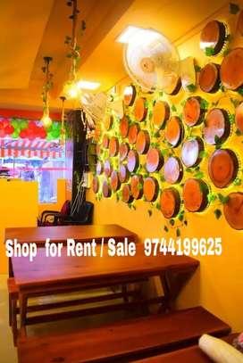 HOTEL  / RESTAURANT FOR  RENT 40000 +10 LAKHS  ADVANCE MGROAD  KOCHI