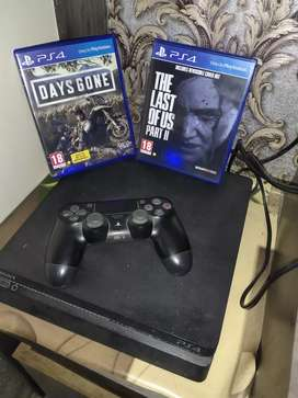 PS4 with two game