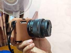 Canon m10 black