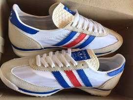 Sepatu Adidas SL 72