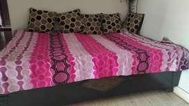 Diwan cum box bed 6*4 ft