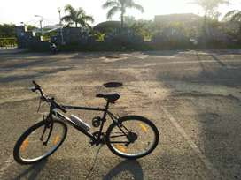 Btwin bicycle | Shimano 7 gears | Good condition | Tyre size 26 x 1.95