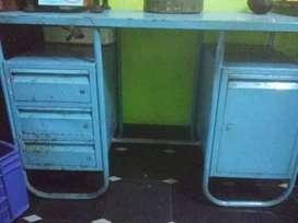 Cash table for sale