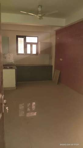 1bhk semi frnished flat in Prime location noida extension