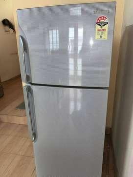 Samsung RT2734SNBSJ/TL Refrigerator