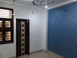 2 bhk resale floor 4 floor with roof ke sath uttam nagar wast