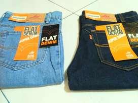 Celana jeans standar jumbo