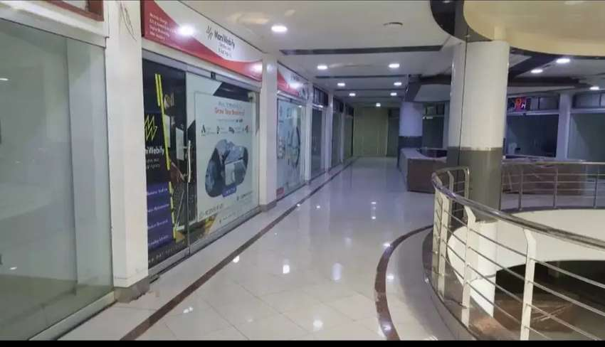 0333,5233555 Shop Space Available Gold Point Shoping Mall 0