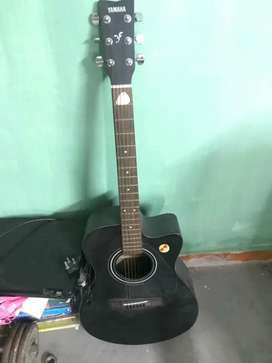 Yamaha acoustic guitar ,with lead 2 years old