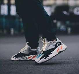 Sepatu adidas yeezy wave runner 700