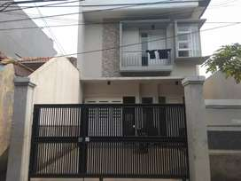 Rumah baru dijual di area kemang timur jakarta selatan