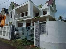 4 bhk 2500 sqft 5.5 cent new build at kalamassery aluva near kombara