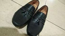 Men shoes  its brand is franco  and its a formal shoes for men size 8
