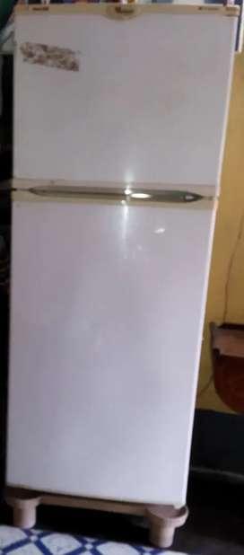 Whirlpool Frost Free 220 lit. Double Door Fridge, Model-Quick Chill