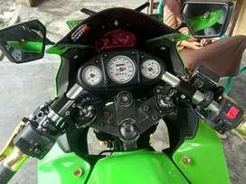 Dijual kawasaki ninja 250 karbu thn 2011